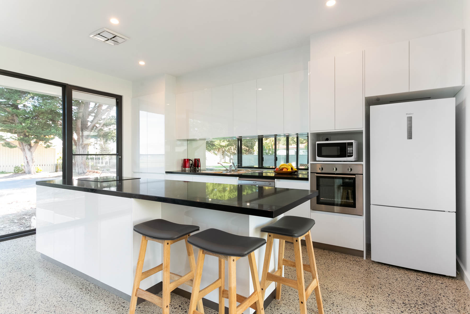 New Home, Custom Home, Family Home, Design, Builders, Award Winning, Single Storey, Goolwa, Fleurieu, Black and white kitchen, mirror splashback, large windows