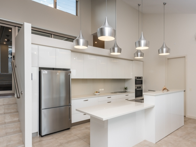 Custom Home, New Home, Single Storey Home, Builders, Design, Victor Harbor, Fleurieu, Modern, Kitchen, Feature lights, Induction Stove Top