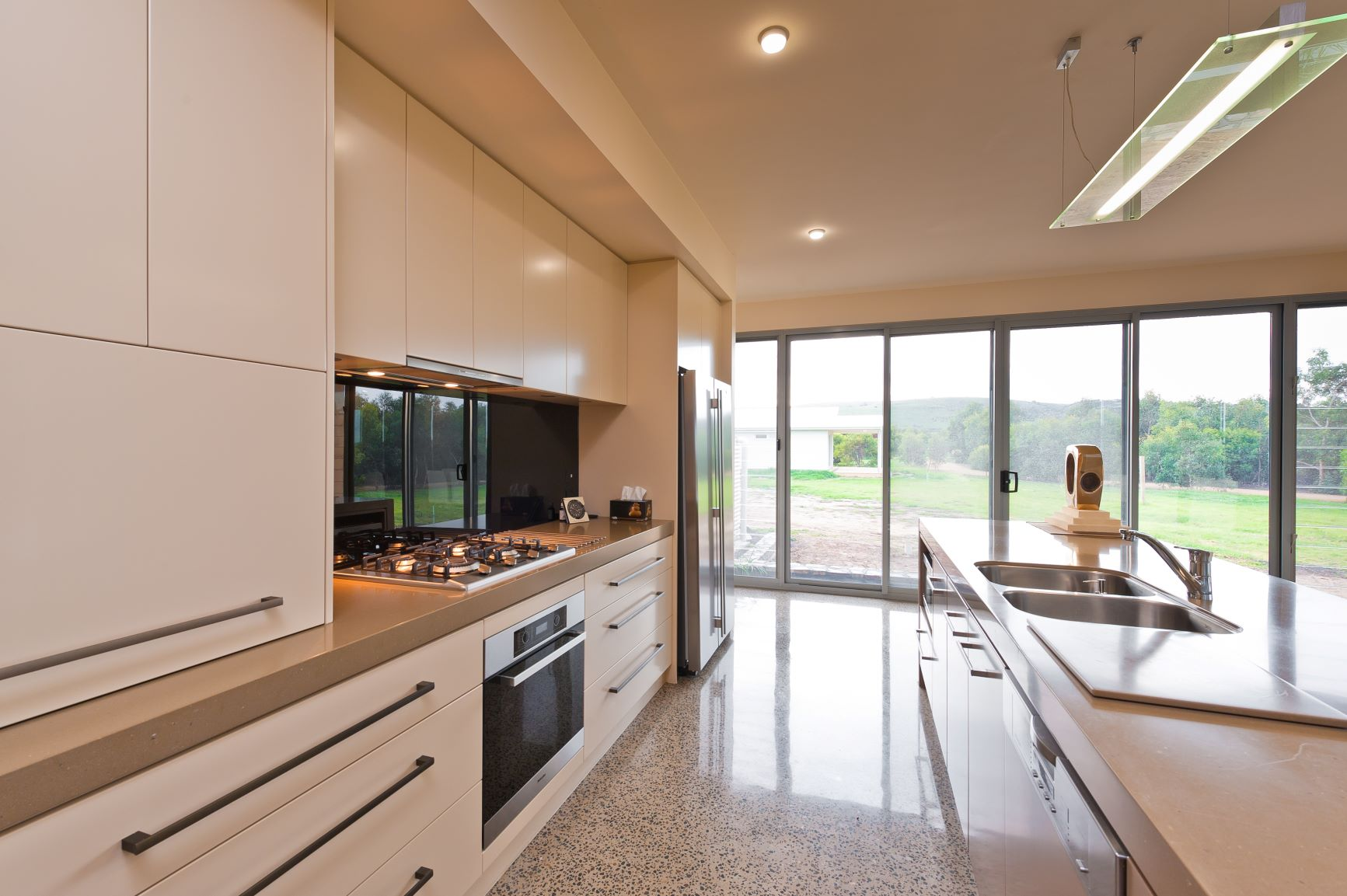 Custom Home, New Home, Family Home, Builders, Design, Beyond, Chiton, Fleurieu, Energy Efficient, Single Storey, Kitchen, Gas Stove Top, Modern, Drawers, Large Windows