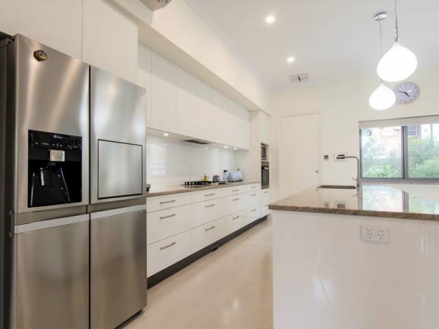 Custom Home, New Home, Family Home, Builders, Design, Tusmore, Adelaide, Two Storey, Modern, Kitchen, Drawers, Feature Lights, Counter Top, Gas Stove Top